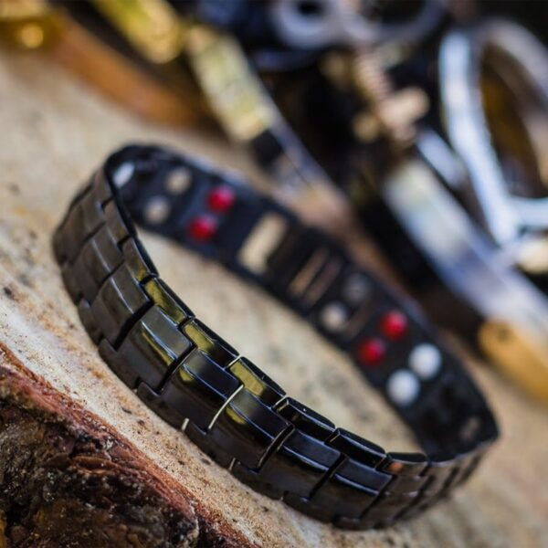 pulsera imanes negra accesorios-alternativos-para-hombres-moda-mexicana-pulseras-fashion-men-joyeria-mexico-jewerly-for-men-acero-inoxidable-masculino